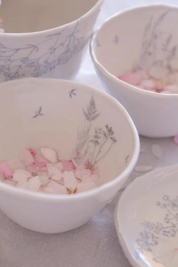 Porcelaine.ceramique.myriam.aït.amar.envolée