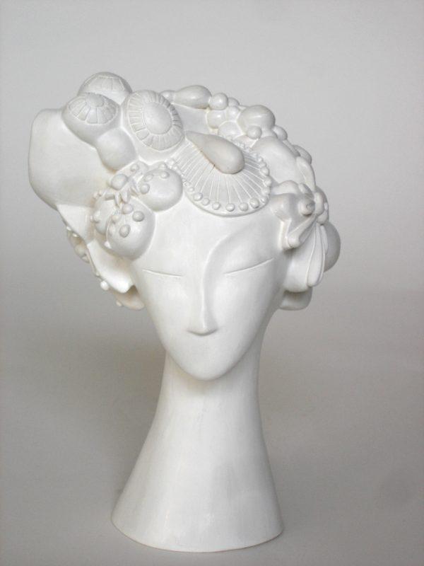 sculpture-femme-fleurs-cecilechareyron